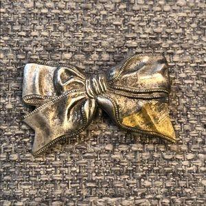 Jewelry - Vintage Silver Tone Brooch
